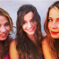 Eleanor is crazy beautiful and anyone who disagrees needs to get their eyes checked, because she is flawless.