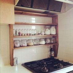 Not by the hub but beside the kettle. For mum's bits & pieces Small Kitchen Organization, Diy Kitchen Storage, Kitchen Shelves, Cupboards, Kitchen Interior, Kitchen Design, Kitchen Ideas, Japanese Kitchen, Deck Furniture