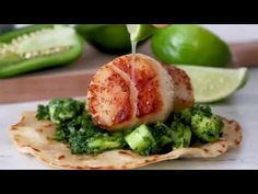 Green Scallop Tacos with a spicy green herb cucumber and avocado salsa and a squeeze of lime juice on top, so good! Skinny Recipes, Ww Recipes, Clean Recipes, Fish Recipes, Seafood Recipes, Mexican Food Recipes, Cooking Recipes, Healthy Recipes, Deserts