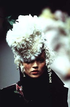 1996-97 - Galliano 4 Givenchy Couture - Kate Moss