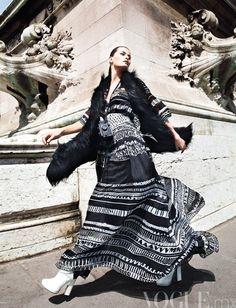 Isabeli Fontana by Marcin Tyszka for Vogue Mexico September 2011