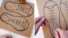 Je fais mes lacets tout seul ! Du carton et des lacets, voila ce qu'il faut pour apprendre aux enfants à faire leurs lacets.
