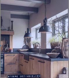 Elegant Kitchen Design Ideas For A Family Home Design To Try Family Kitchen, Home Decor Kitchen, Interior Design Kitchen, Country Kitchen, New Kitchen, Home Kitchens, Dream Kitchens, Farmhouse Kitchens, Interior Modern