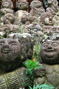 念仏寺ー無数のお地蔵さんの画像(写真)