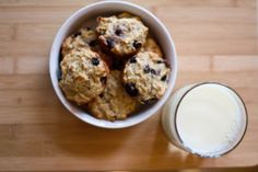 Baby and Toddler Friendly Muffins- I used half flax for butter replacement & no blueberries- pureed my apple & added just a smidge of juice - Favorite Recipes - Babypflege Allergy Free Recipes, Baby Food Recipes, Snack Recipes, Pureed Recipes, Toddler Muffins, Baby Muffins, Healthy Baking, Healthy Treats, Healthy Muffins
