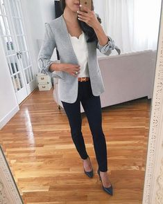 classic work style knit grey blazer navy ankle pants for the office Work Attire Women, Office Outfits Women, Business Casual Outfits, Professional Outfits, Business Attire, Stylish Outfits, Business Chic, Young Professional, Business Professional