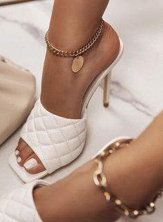 Dr Shoes, Hype Shoes, Me Too Shoes, Shoes Heels, Pumps, Fancy Shoes, Crazy Shoes, Stiletto Heels, High Heels