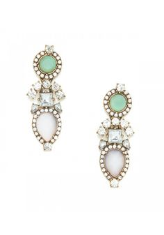Adore these vintage-inspired sparklers with soft pastel accents!