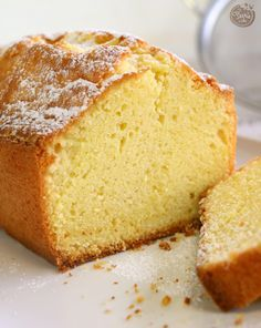 Four quarters the ultimate recipe Féerie cake Pound Cake Recipes, Easy Cake Recipes, Sweet Recipes, Baking Recipes, Dessert Recipes, Mug Cakes, Homemade Vanilla Cake, Homemade Pound Cake, Gateau Cake