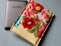Kindle Sleeve - Roses