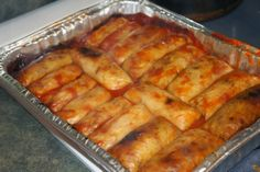 Bacon, onion, rice and tomato soup! This is pretty much how we make ours except we poke the ends in! Ukrainian Cabbage Rolls, Easy Cabbage Rolls, Cabbage Rolls Recipe, Cabbage Recipes, Easy Rolls, German Cabbage Rolls, Easy Stuffed Cabbage, Cabbage And Bacon, Stuff Cabbage