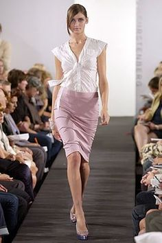 Diane von Furstenberg Spring 2004 Ready-to-Wear Collection Photos - Vogue