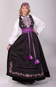 """""""Beltestakk"""" from Øst-Telemark, Telemark, Norway. This bunad have many variations. You have a lot of different choices in this buand and almost no one have the excact same model Handycraft Ideas, Norwegian Clothing, Frozen Musical, European Costumes, Safari, Frozen Costume, Edwardian Dress, Silver Accessories, Dress For Success"""