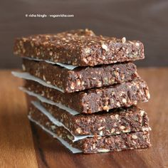 Vegan Glutenfree Recipe - Vegan Richa (no bake protein bars dates) Healthy Protein Bars, Chocolate Protein Bars, Protein Bar Recipes, Healthy Sweets, Healthy Baking, Chocolate Sweets, Homemade Protein Bars, No Bake Protein Bars, Protein Bites