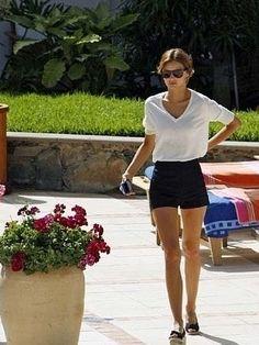 Miranda Kerr // simple outfit
