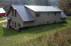 metal building houses Residential Metal Building Home w/ Timber Wainscot (HQ Pictures) Metal House Plans, Ranch House Plans, Metal Shop Building, Building A House, Building Systems, Building Ideas, Backyard Barn, Steel Barns, Metal Siding