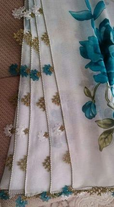 This Pin was discovered by Buğ Needle Lace, Turkish Towels, Table Linens, Linen Bedding, Flower Art, Hand Embroidery, Bugs, Tatting, Needlework