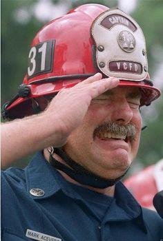 """In memoria delle vittime dell'11 settembre """"attentato alle Torri Gemelle""""."""