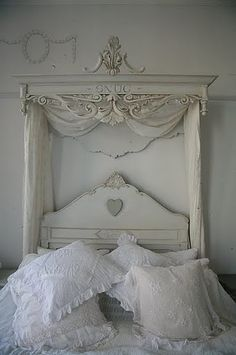 Love the pediment above the bed!  Great idea!