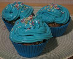 Blueberry Cupcakes - Mustikka kuppikakut Blueberry Cupcakes, Favorite Recipes, Sweet, Desserts, Food, Candy, Tailgate Desserts, Deserts, Eten