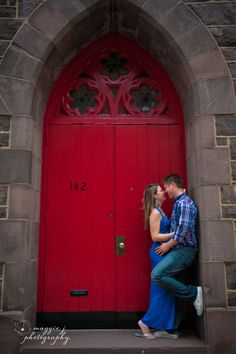 #engagementsession #reddoor