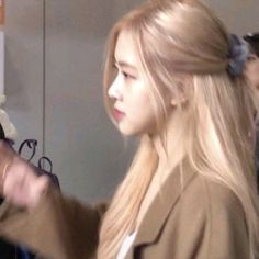 Foto Rose, Rose Icon, Kim Jisoo, Blackpink Photos, Blackpink Fashion, Park Chaeyoung, Jennie Blackpink, Aesthetic Girl, Hair Inspo