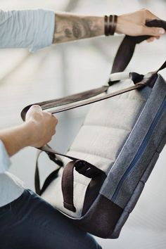 Acme   Peak Messenger Bag - can be easily transformed into a backpack and vice versa. The PEAK messenger bag & backpack therefore has many special sizes and layout compartments, helping one to organize various digital devices and daily essentials.