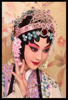 Chinese Style, Chinese Art, Chinese Fashion, Red Artwork, Chinese Element, Chinese Opera, Chinese Embroidery, China, Chinese Culture