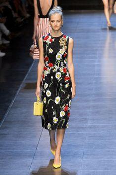 Dolce & Gabbana at Milan Fashion Week Spring 2016 - Runway Photos