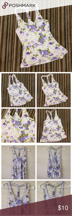 Super Cute Floral Hi-Low Shirt GONE SOON Papaya. Super cute floral high -low tank style shirt with one pocket in front. Has some stretch, super cute & comfy!  Size small. Papaya Tops Tank Tops