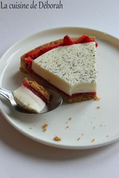 Tarte panna cotta aux fraises. Une pâte sucrée, une compotée de fraises au vinaigre balsamique et une panna cotta à la vanille!