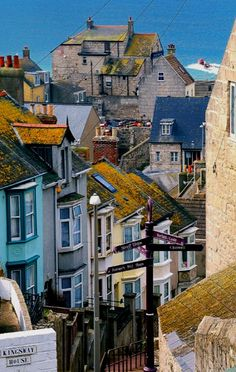 Fortuneswell, Isle of Portland, England (by Peter Allen)