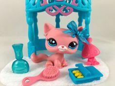 Littlest Pet Shop ULTRA RARE Pink Kitten #2593 w/Blue Eyes, Arbor & Accessories #Hasbro