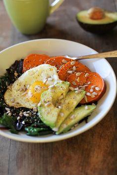 Well-Balanced Sweet Potato Breakfast Bowls with Spinach, Avocado, and Sunflower Seeds | theroastedroot.net @roastedroot #vegetarian #breakfast #recipe