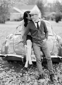 Featured on Wedding Sparrow : Vintage engagement session | www.cassidycarsonphotography.com/blog