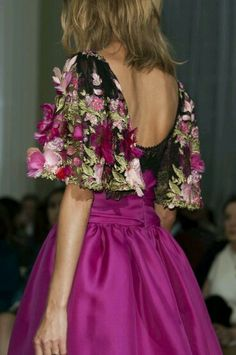Marchesa Spring/Summer 2015 Collection New York Fashion Week Colorful, gorgeous, princess pretty! Beautiful Gowns, Beautiful Outfits, Dress Outfits, Fashion Dresses, Patiala Salwar, Fantasy Dress, Designer Gowns, Couture Dresses, Colorful Fashion