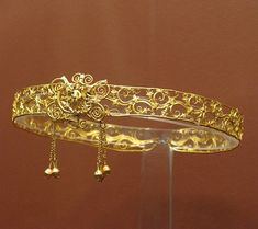 Golden Tiara via National Archaeological Museum, Athens / Tilemahos Efthimiadis via Flickr