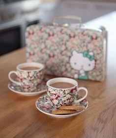 Hello Kitty tea set for two:)