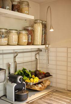Ein praktischer Spot kann die Atmosphäre in der Küche ebenfalls positiv beeinflussen.