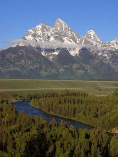 Grand Teton National Park. Been there done that. My pictures are even better than these! The U.S. is a beautiful place to travel.
