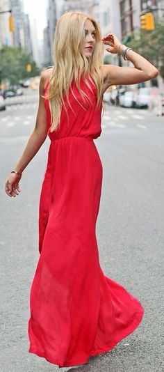 Red Maxi- minimal and classic. Chic, effortless and stylish summer fashion. Summer- so fancy.