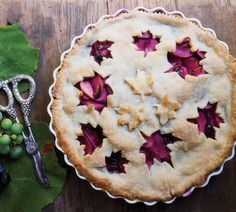 Saw a grape apple pie on Diners Drive-Ins and Dives on the Food Network.  I think it sounds deeeeeelicious!!