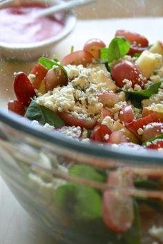 The Best Raspberry Vinaigrette Best Raspberry Vinaigrette Recipe, Apple Walnut Salad, Poppy Seed Dressing, Spinach Salad, How To Make Salad, Honey Mustard, Blue Cheese, Salad Recipes, Oregon