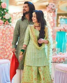 Follow me @idealover Indian Actress Pics, Indian Actresses, Stylish Dress Designs, Stylish Dresses, Ethnic Outfits, Indian Outfits, Shrenu Parikh, Suit Fashion, Fasion