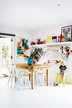 Full of life: a vibrant home for a family of seven. Photography by Armelle Habib. Styling by Julia Green. From the October 2016 issue of Inside Out magazine. Available from newsagents, Zinio, https://au.zinio.com/magazine/Inside-Out-/pr-500646627/cat-cat1680012#/ Google Play, https://play.google.com/store/newsstand/details/Inside_Out?id=CAowu8qZAQ, Apple's Newsstand, https://itunes.apple.com/au/app/inside-out/id604734331?mt=8&ign-mpt=uo%3D4, and Nook.