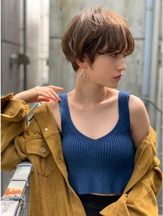 Pin on 髪型 Asian Short Hair, Girl Short Hair, Short Hair Cuts, Asian Pixie Cut, Short Hair Tomboy, Tomboy Hairstyles, Pretty Hairstyles, Above Shoulder Hair, 90s Grunge Hair