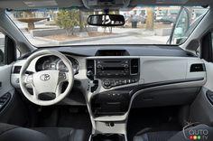 2013 Toyota Sienna SE dash