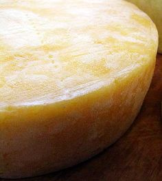 ~Great cheesemaking site, lots of different cheese recipes