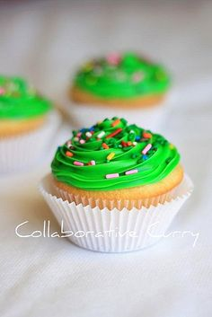 vanilla cupcakes by Gulmohar1, via Flickr