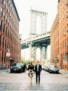 Fun e-sesh in Brooklyn: Photography : Nancy Ray Photography Read More on SMP: http://www.stylemepretty.com/2017/02/27/dumbo-fall-engagement-session/